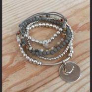 bracelets gris